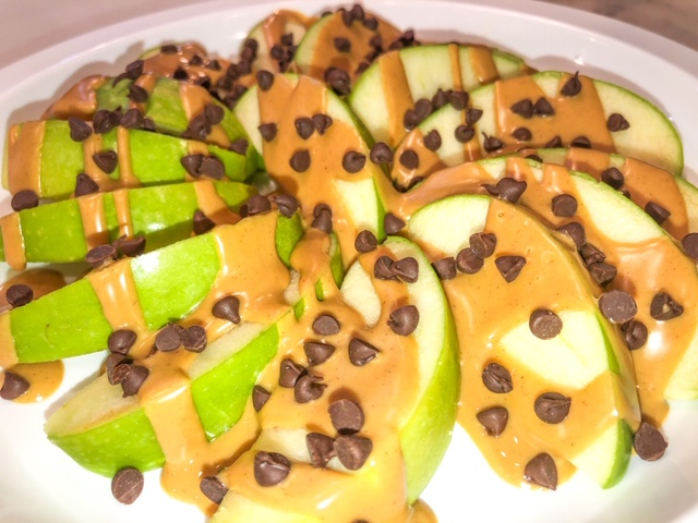 peanut butter apples with chocolate chips