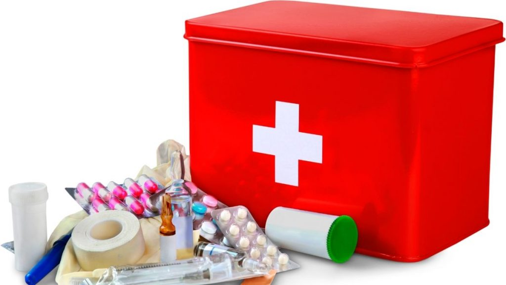 mom emergency car kit - first aid kit essentials
